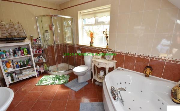 K Family Bathroom (1)
